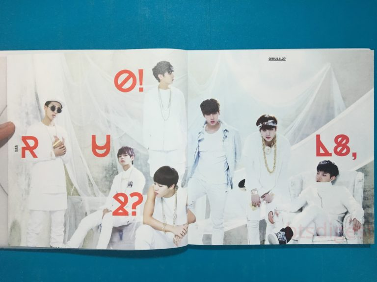 O!RUL8,2 photobook pages